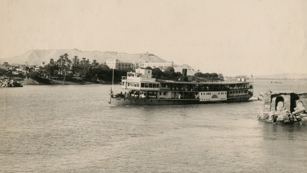 Thomas_Cook-Sudan approaching Aswan (1930)
