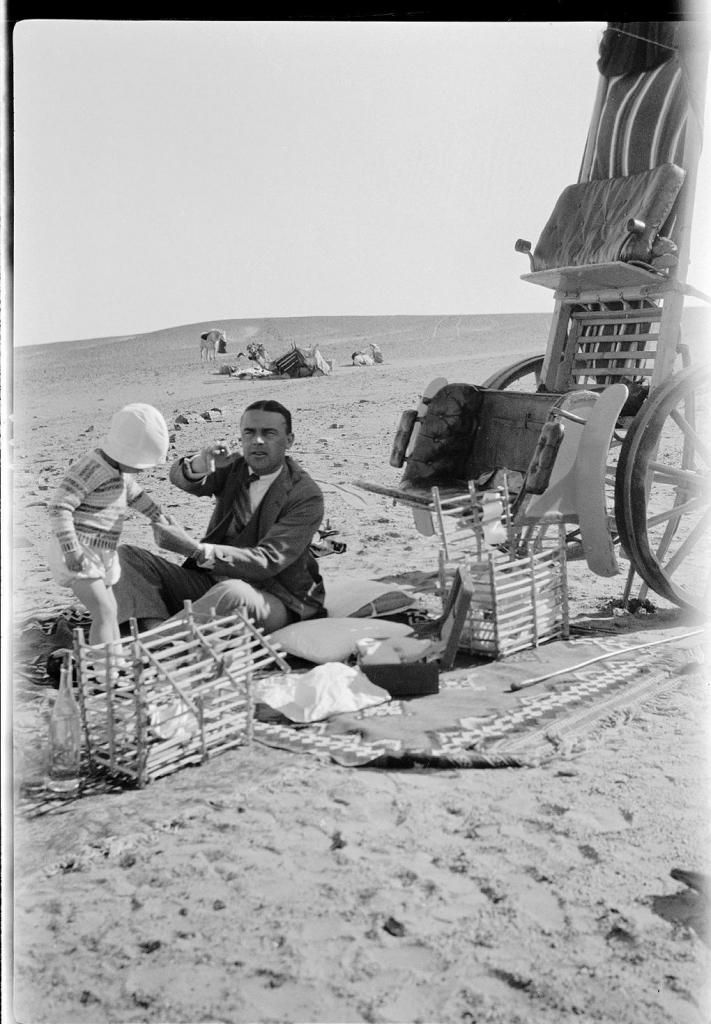 Leslie-Walford-and-his-step-father-Eric-Sheller-picnicing-in-Egypt_Caroline-Simpson-Library-Research-Collection_Sydney-Living-Museums--711x1024
