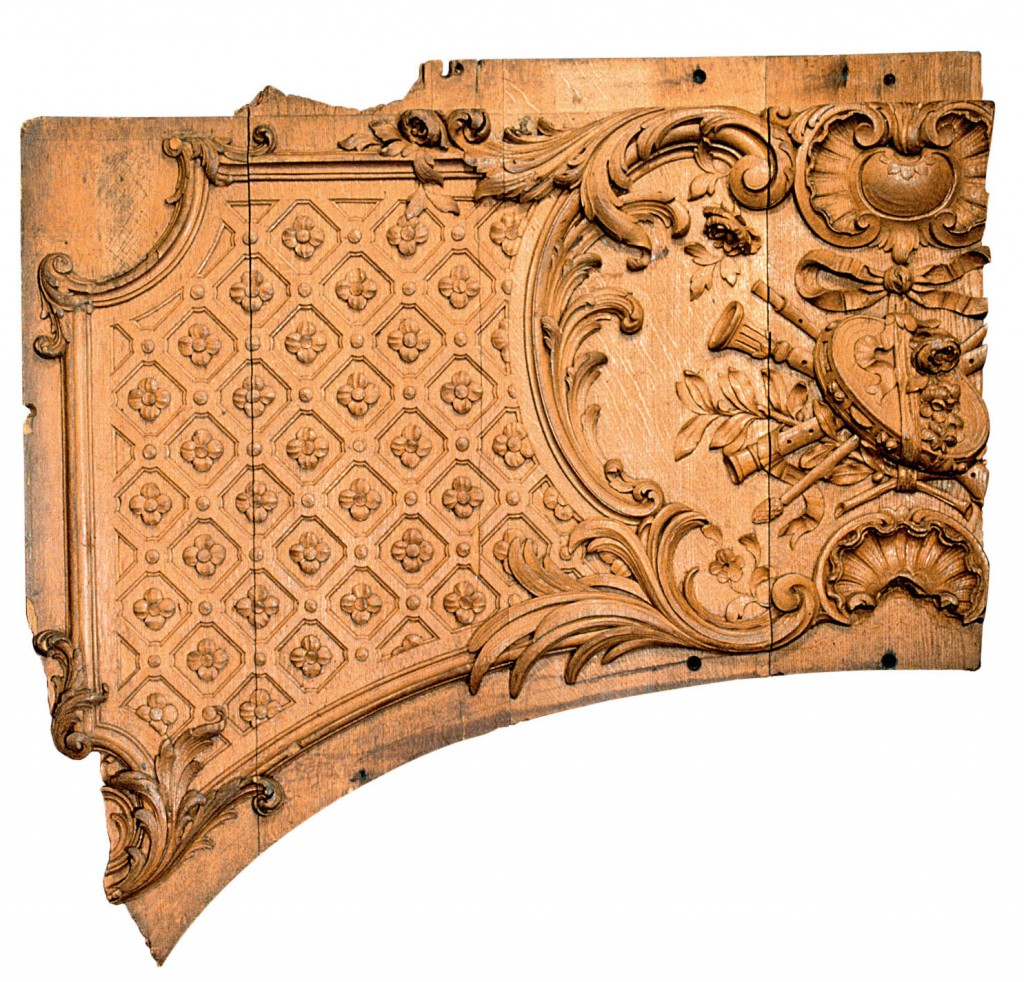 Wooden panel fragment from the first-class lounge on Titanic, c. 1911 © Maritime Museum of the Atlantic, Halifax, Nova Scotia, Canada